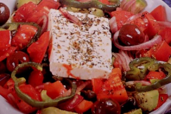 Αγαπημένη χωριάτικη σαλάτα